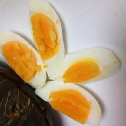 節約でもしっかりといつものゆで卵が出来ました\(^o^)/これからはこのやり方でします!!簡単ですごい!