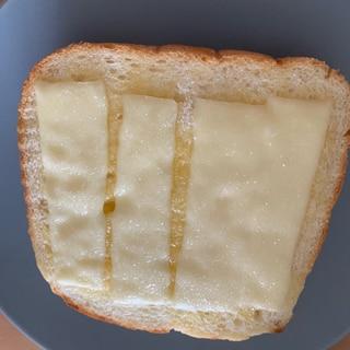 チーズシュガートースト