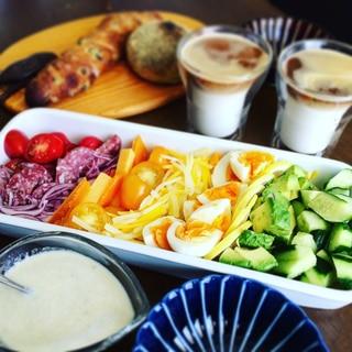 彩り豊かなコブサラダ*ブルーチーズドレッシング