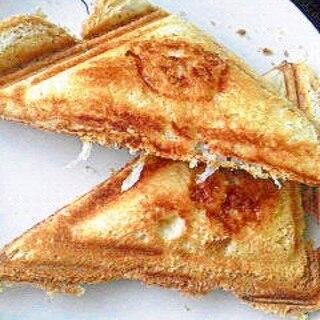 しらすとチーズのホットサンド