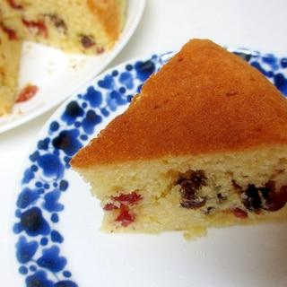 炊飯器でクランベリーとレーズンのヨーグルトケーキ