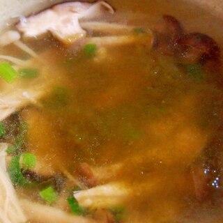 きのこととろろ昆布の和風スープ