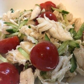 きゅうりとトマト、サラダチキンのさっぱりサラダ