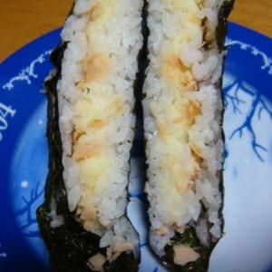 「ポテサラ&焼き鮭のおにぎらず」   ♪♪