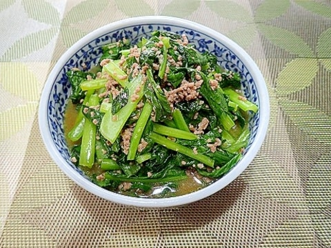 小松菜とひき肉のオイスター炒め