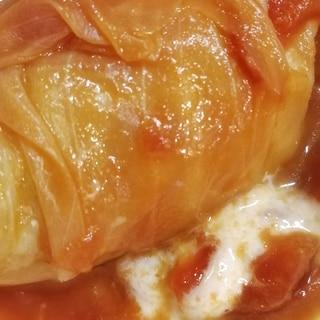 トマト缶で作るロールキャベツとモッツァレラチーズ