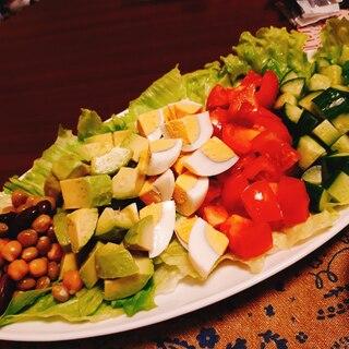 彩りきれいなコブサラダ~手作りドレッシング添え