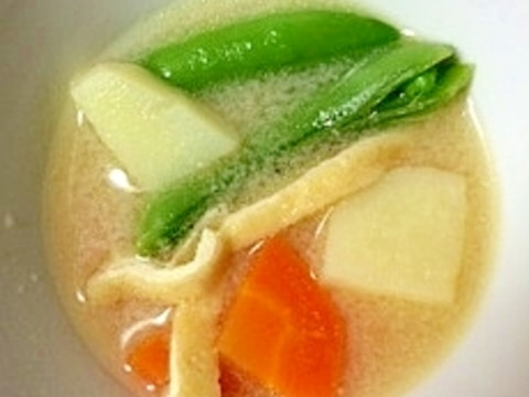 みそ汁~緑鮮やかスナップエンドウと新じゃが