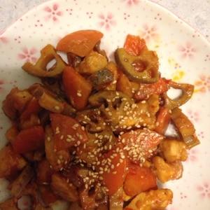 シャキシャキ蓮根と鶏肉のピリ辛炒め