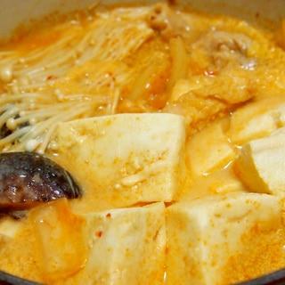 豚と高野豆腐の豆乳キムチ鍋