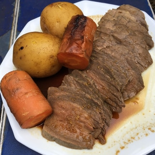 ダッチオーブンでローストビーフ