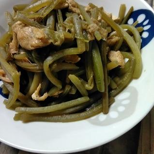 芋づる(さつまいもの茎)と油揚げの炒め煮