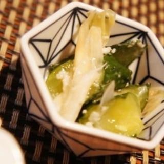 ポリ袋で簡単、ミョウガとキュウリの塩麹漬け