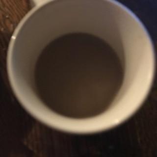 きな粉薫る黒蜜デカフェラテ