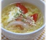 たっぷり夏野菜!トマトと玉ねぎの簡単卵スープ