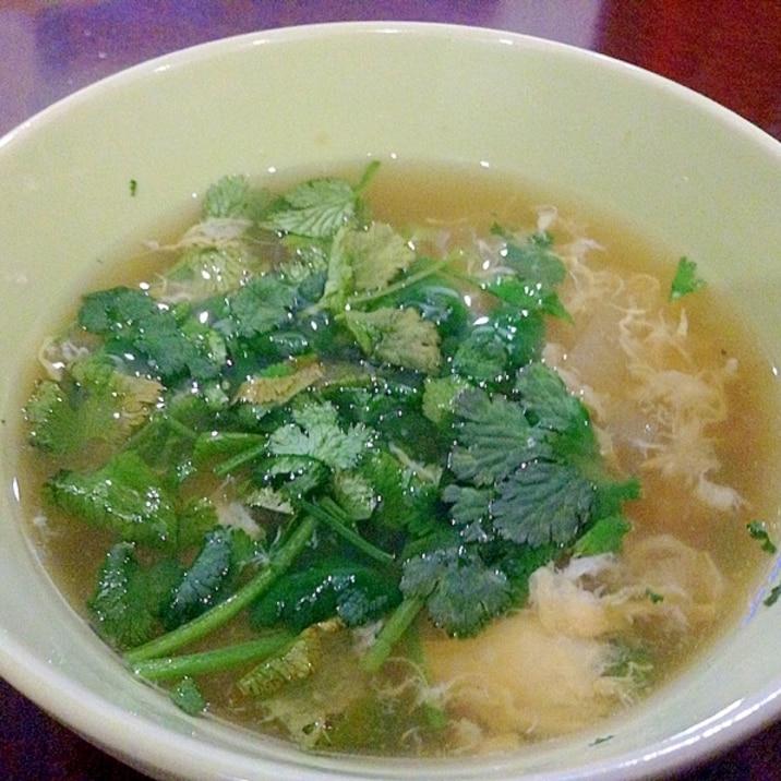 卵とパクチーの生姜スープ