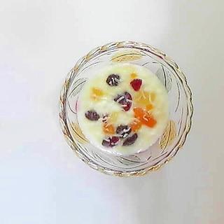 フルーツココナッツヨーグルト