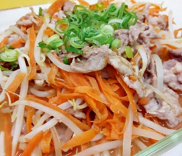 電子レンジ(^^)豚肉+もやし+ニンジンの辛子酢♪