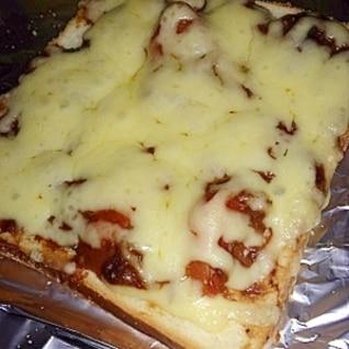 ピザまん風☆ハヤシライスチーズトースト