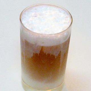 冷たい牛乳だけで作る☆アイスカフェラテ