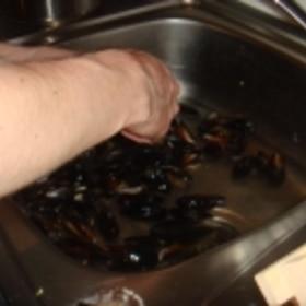 ムール貝の下処理