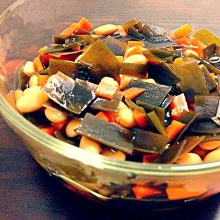 大豆とたっぷり昆布の煮物