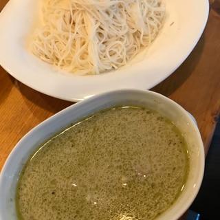 残ったグリーンカレーを素麺にアレンジ