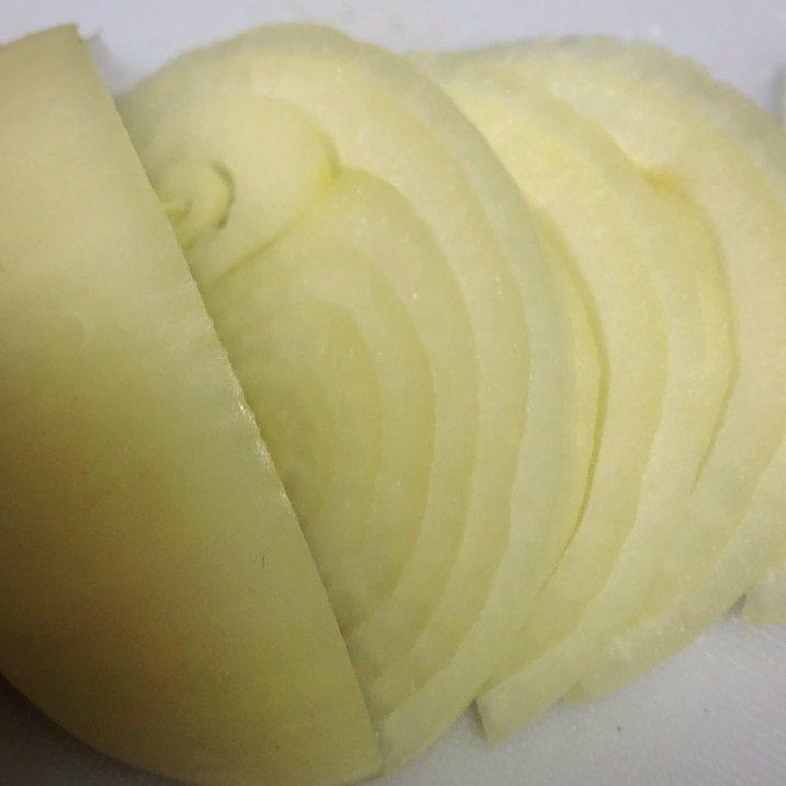 玉ねぎの甘みを増す切り方、荷崩れしにくい切り方