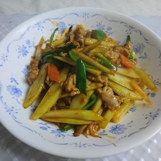 グリーンマンゴーと豚肉の炒め物