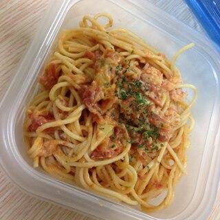 蟹とトマトのチーズパスタ