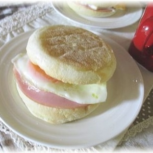 ハム&卵のイングリッシュマフィン♡