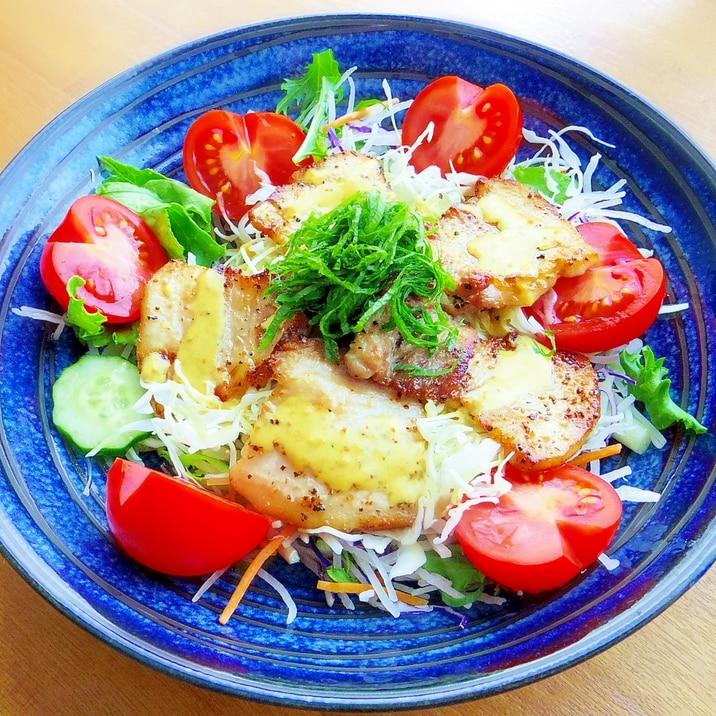 辛子ソースで★厚切り豚バラ肉のサラダ丼