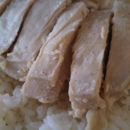 一緒に炊くだけなので簡単ですね(^^)タレもおいしかったです!
