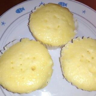 電子レンジで超簡単チーズ蒸しパンができます。