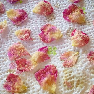 薔薇の香りを存分に楽しむ!バラの砂糖漬け♪