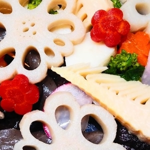 お弁当の彩りに♪飾り切り人参の麺つゆ味