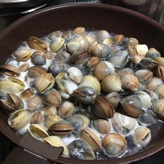 バカ貝の酒蒸し
