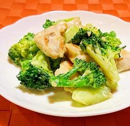 ブロッコリーと鶏肉のにんにくマヨ炒め