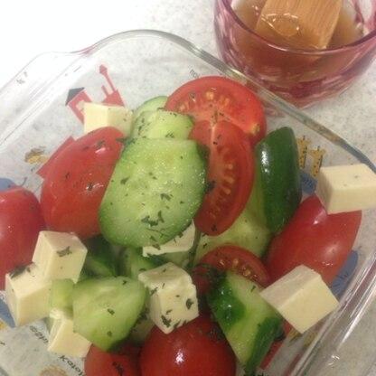 自家製柚子胡椒で作りました。柚子胡椒でドレッシングって初めてです!  美味しいレシピありがとうございます。