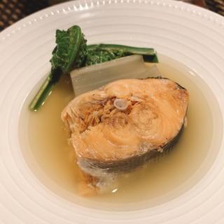 日本酒がすすむ、マスと山菜の潮煮