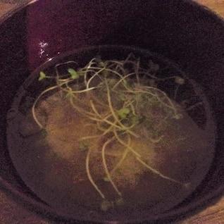 大根と人参の胃に優しいお味噌汁