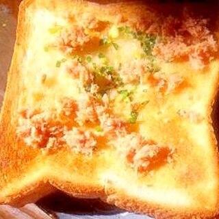 サケとネギの簡単チーズトースト