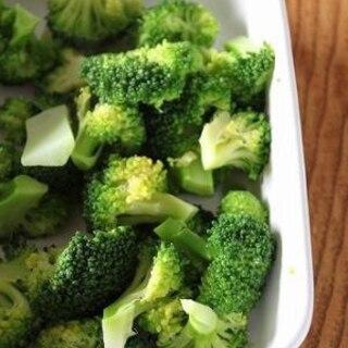 サラダ・お弁当に茹でておくと便利♪茹でブロッコリー