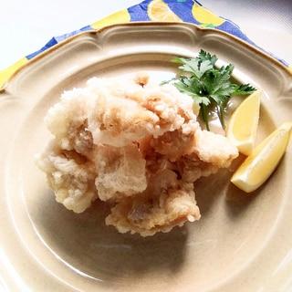 味付けは塩水のみシンプル過ぎる鶏モモ肉のから揚げ