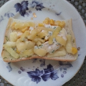 盛り盛りコーンのタルタルチーズトースト