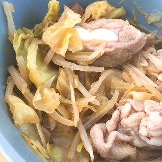 圧力鍋で豚軟骨とキャベツの蒸し煮込み