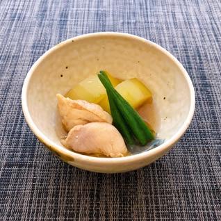 加賀太胡瓜と鶏肉の煮物!