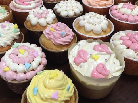 バタークリームカップケーキ