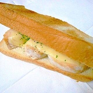 鶏ハムとチーズのマヨトースト