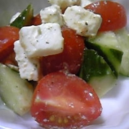 お洒落なサラダを美味しくいただきました♪ 柚子胡椒が合うんですね☆ サラダ大好きな私・・また絶対に作ります~ おごちそうさまです^^